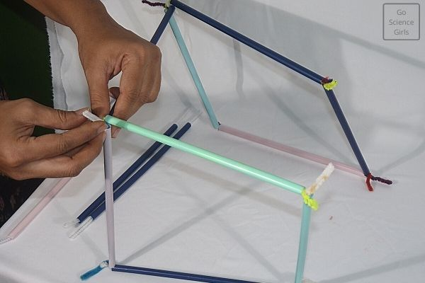 Connecting square frames to make square wand