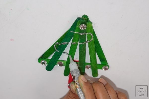 Decorate Popsicle Stick Christmas Tree With Glitters