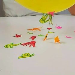 Dancing Ghosts : Halloween Balloon Static Electricity Activity